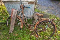 Заржаветый велосипед, старый, Стоковое Изображение RF