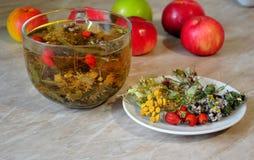 засевает медицинский чай травой Стоковые Фото