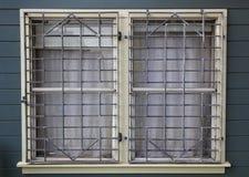 заскрежетанные окна металла Стоковое фото RF