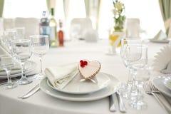 Застекленное сердце пряника для wedding гостя Стоковое Изображение