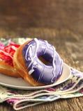 Застекленные donuts стоковая фотография rf