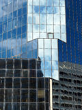 Застекленный небоскреб; Отражения Стоковые Изображения