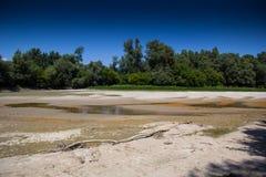 Засуха - река высушенный вверх-глобальный греть Стоковая Фотография