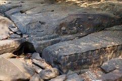 Засушливый сезон на Kbal Spean, резном изображении кхмера стоковое изображение