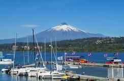 Затаите в деревне Villarica, на озере около вулкана Стоковое Фото