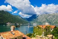 Затаите на заливе Boka Kotor (Boka Kotorska), Черногории, Европе Стоковое Изображение