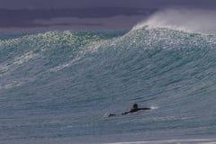 Затвор серфера цацы волны Стоковое Изображение
