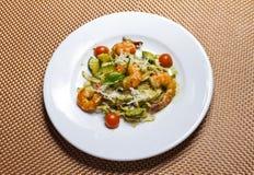 Затир с креветками и овощами Стоковые Изображения RF
