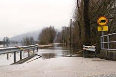 затопленная дорога стоковое изображение