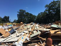 Затопленные твердые частицы школы после уборки стоковое фото