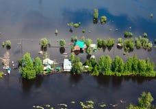 Затопленная деревня в низменности большого реки Стоковые Фото