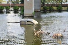 затопленный автомобиль стоковое фото rf
