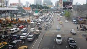 Затор движения в центре города сток-видео