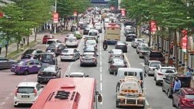 Затор движения в центре города Куалаа-Лумпур во время времени обеда сток-видео