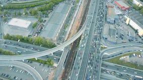 Затор движения на дороге автомобиля в часе пик акции видеоматериалы