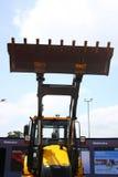 Затяжелитель Backhoe от строительных оборудований Mahindra стоковые фото
