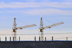 2 зафиксированные лебедки и крыши Стоковое Фото