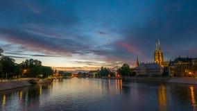 Захватывающий живой заход солнца над Wroclaw Стоковое Изображение