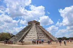 2007 захваченное castillo chichen itza Мексика одно el первого излучает мир yucatan интересов солнечного света Стоковые Фотографии RF