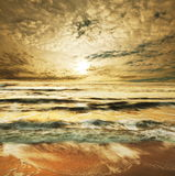 заходы солнца моря Стоковые Изображения