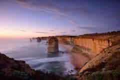 Заход солнца 12 апостолов вдоль большой дороги океана Стоковая Фотография