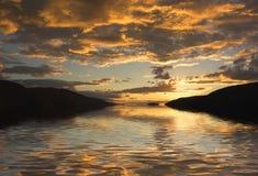 заход солнца берег реки Стоковая Фотография RF