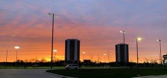 Заход солнца большого города стоковое изображение rf