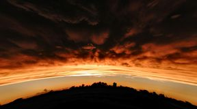 заход солнца вершины холма Стоковое фото RF