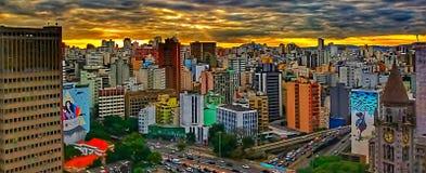 Заход солнца в городе São Paulo стоковое фото rf