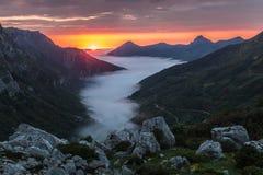Заход солнца в долине Saliencia, Астурия лета Стоковые Фотографии RF