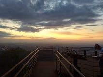Заход солнца в конце езды стоковое изображение rf