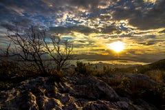 Заход солнца в красивом виде гор Стоковая Фотография RF