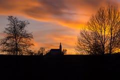 Заход солнца в парке курорта в плохом Koetzting, Баварии Стоковое Фото