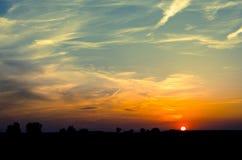 Заход солнца в сельской местности Справочная информация Стоковые Фотографии RF