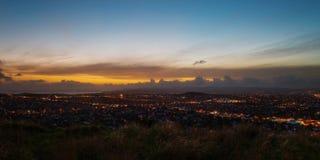 Заход солнца горизонта Окленда стоковое фото