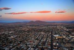 заход солнца горы города самомоднейший Стоковое Фото