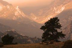 заход солнца горы Стоковые Изображения RF