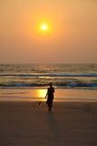 заход солнца девушки Стоковое Изображение