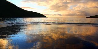 Заход солнца залива виноделов на Tortola стоковая фотография rf