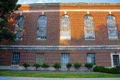 заход солнца здания кирпича старый Стоковое Фото