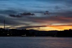 Заход солнца или сумерк в озере Стоковое фото RF