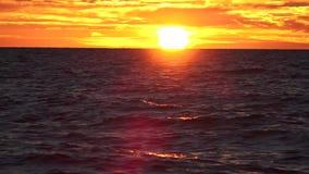 Заход солнца или заход солнца сток-видео