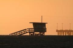 заход солнца кабины пляжа Стоковое Изображение RF
