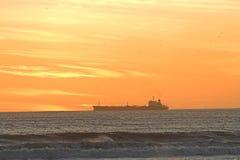 заход солнца корабля Стоковые Изображения