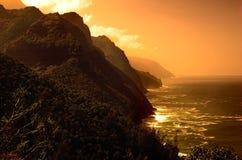 заход солнца ландшафта острова одичалый Стоковые Фотографии RF