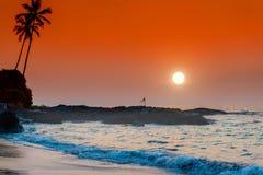 заход солнца ландшафта тропический Море сидит в море Стоковая Фотография RF