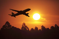 заход солнца летания Стоковое Изображение RF