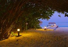заход солнца Мальдивов молы пляжа Стоковые Изображения RF