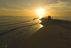 заход солнца Мальдивов острова тропический Стоковая Фотография