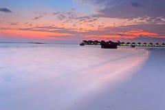 заход солнца Мальдивов острова Стоковые Фотографии RF